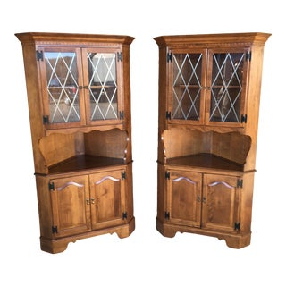 Ethan Allen Nutmeg Maple Grilled Corner Cupboards - a Pair For Sale