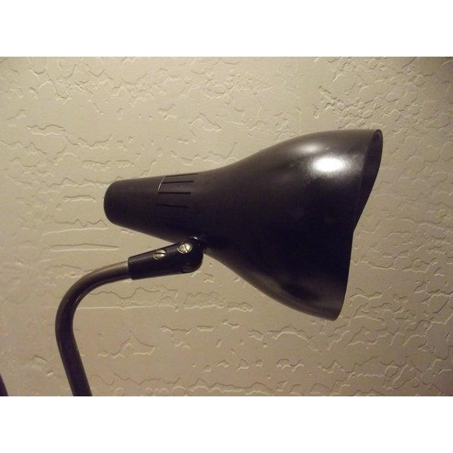 Mid 20th Century Gerald Thurston 1950's Lightolier Dual Head Desk Lamp For Sale - Image 9 of 11