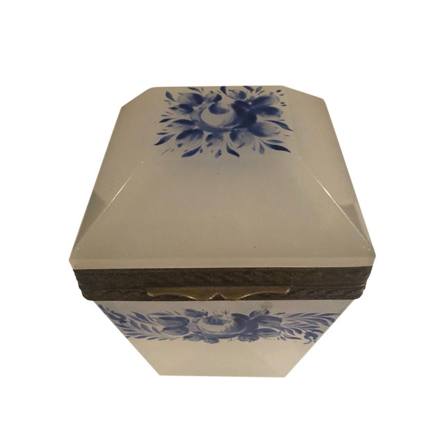 French Vintage French Opaline Box For Sale - Image 3 of 9