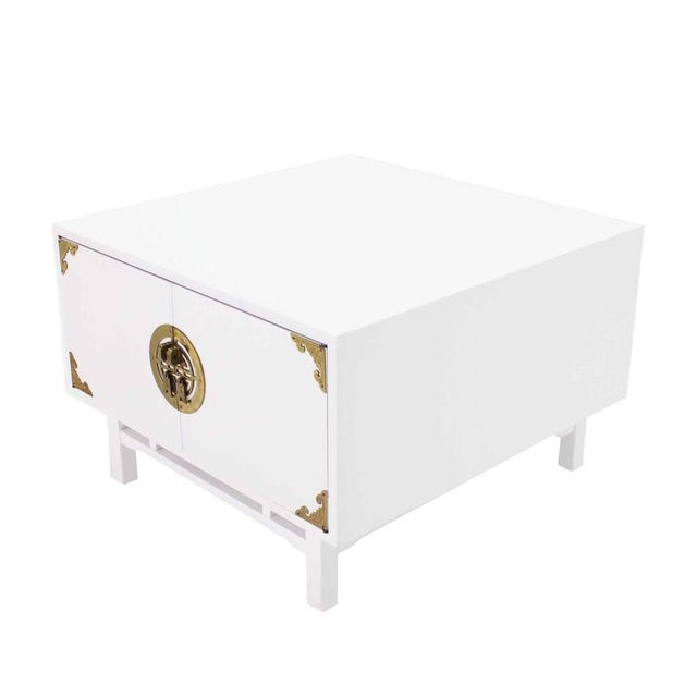 Campaign Pair Large Square White Lacquer End Side Tables Campaign Style Brass Pulls For Sale - Image 3 of 9
