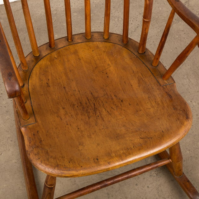 Mid 19th Century Antique American Comb-Back Windsor Rocker For Sale - Image 10 of 12