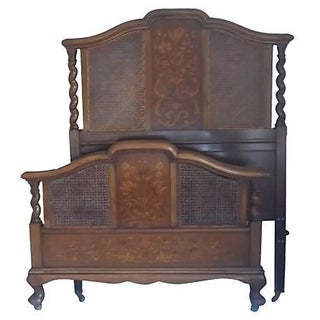 Early 20th Century English Walnut Twin Bedframe For Sale