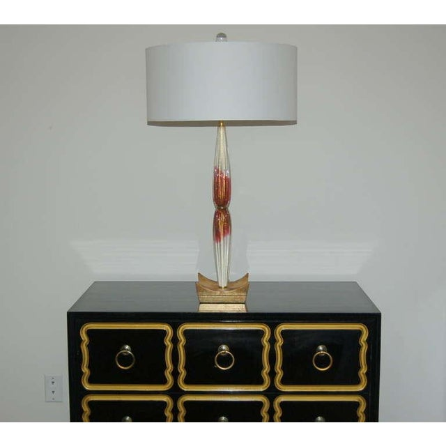 Hollywood Regency Vintage Murano Glass Table Lamps Cranberry Cream For Sale - Image 3 of 10