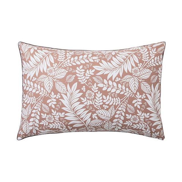 Alexandre Turpault Alexandre Turpault L'ile Rousse Pillow Sham, Standard For Sale - Image 4 of 4