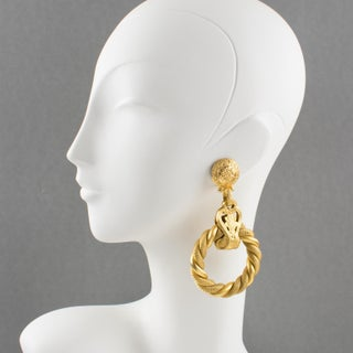 Gianfranco Ferre Italy Gilt Metal Shoulder Duster Statement Clip on Earrings Preview
