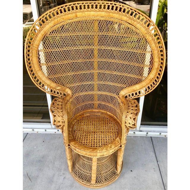 Timeless vintage rattan peacock chair. Great addition to any interior. Excellent vintage condition: very few small breaks...