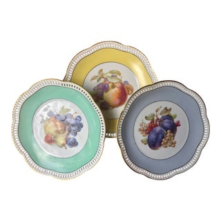 Traditional Pastel Reticulated Fruit Plates - Set of 3 For Sale