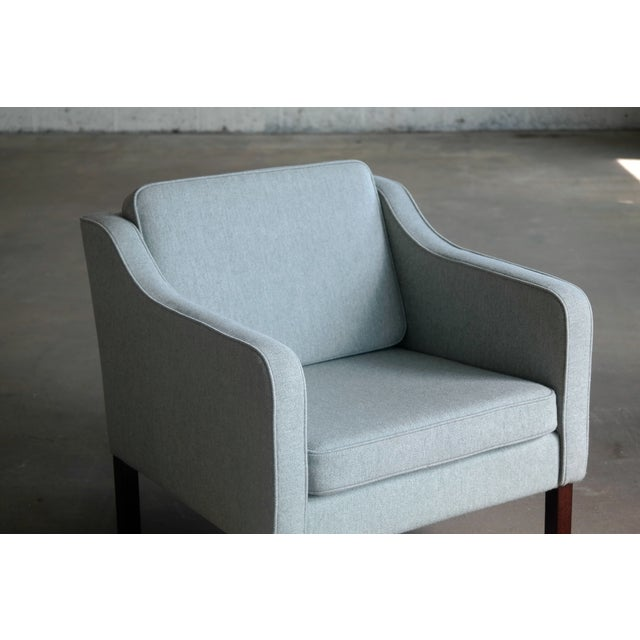 1960s Børge Mogensen Model 2421 Style Danish Lounge Chairs in Cornflower Blue Wool For Sale - Image 5 of 13