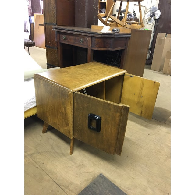 1960s Heywood Wakefield Mid Century Modern Record Cabinet For Sale - Image 5 of 6