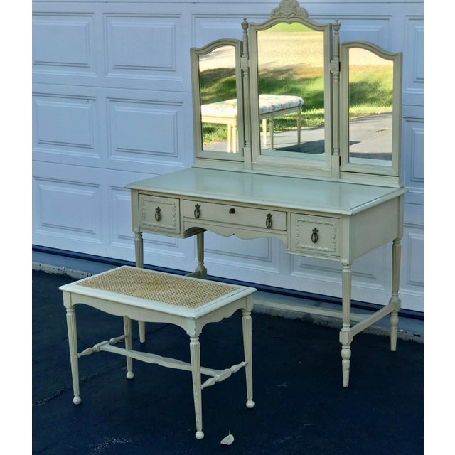 1930's Adams Style Vanity W/Mirror Cane Bench For Sale - Image 4 of 11