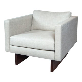 Jens Risom Chair Upholstered in Belgian Sand Colored Linen For Sale
