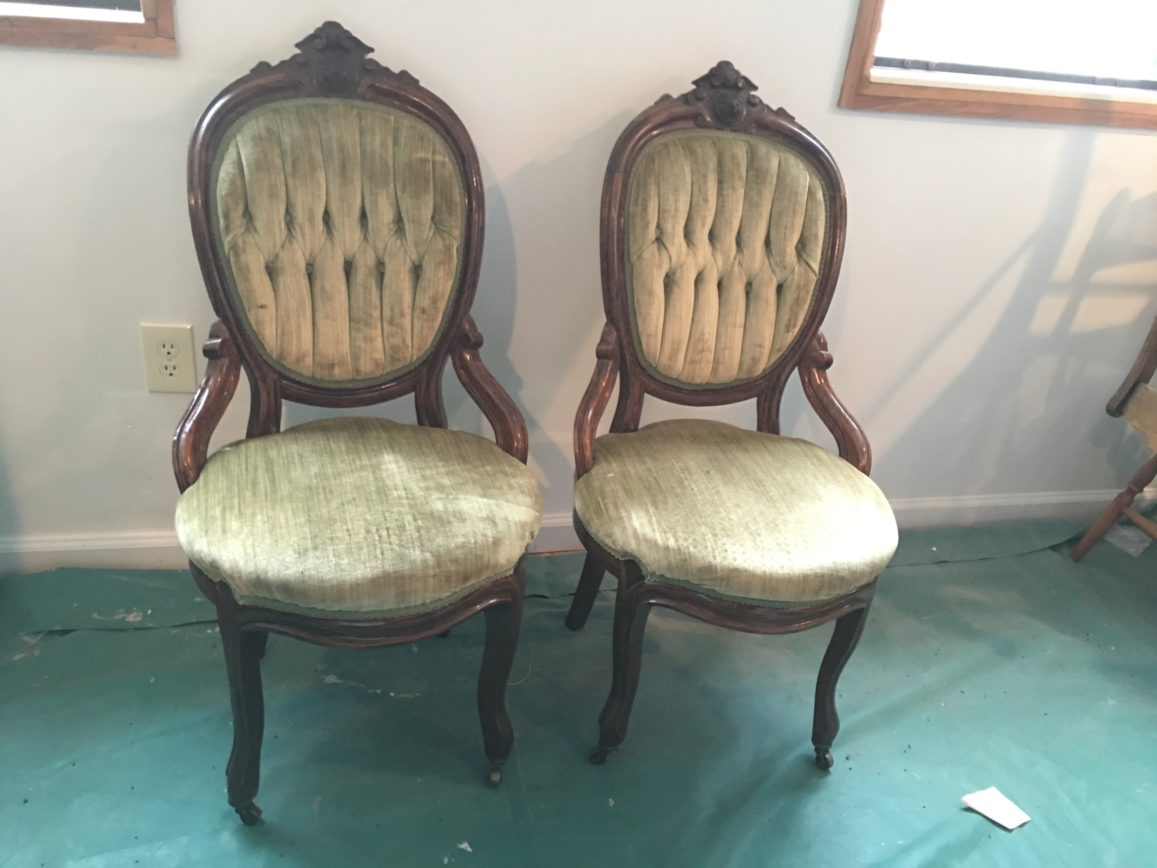Antique Green Velvet Victorian Chairs   A Pair   Image 2 Of 4