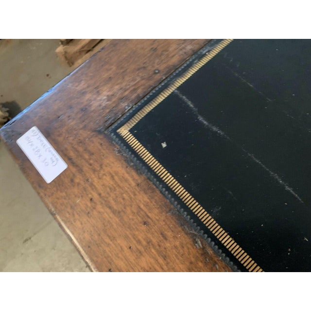 Brown Late 20th Century English Traditional Leather Top Writing Desk For Sale - Image 8 of 10