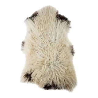 Contemporary Natural Sheepskin Pelt - 2′3″ × 3′9″ For Sale