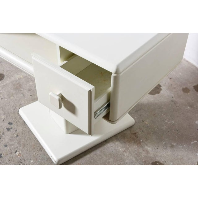 Adjustable White Counter Display, Vanity Table, Made in Italy For Sale - Image 6 of 9