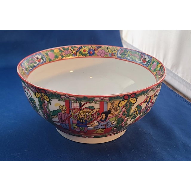 "Pair Chinese Porcelain Hand Decorated Behesti Super 6"" Bowls For Sale - Image 4 of 8"