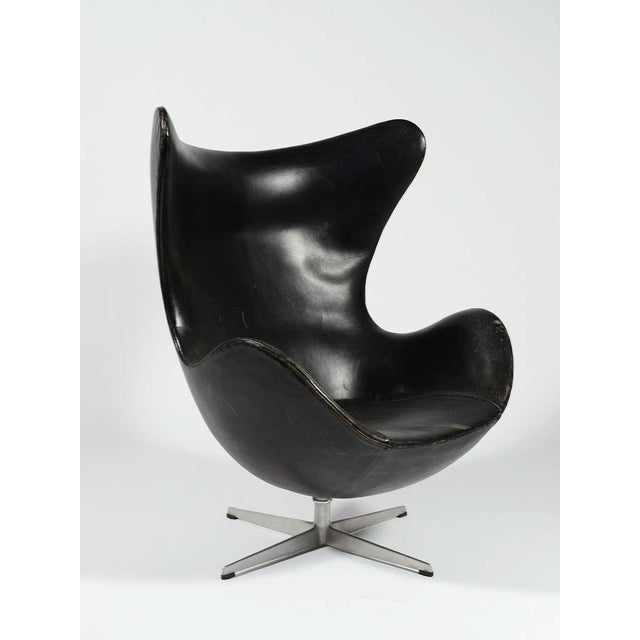 Danish Modern Rare 1st Generation Egg Chair by Arne Jacobsen For Sale - Image 3 of 9
