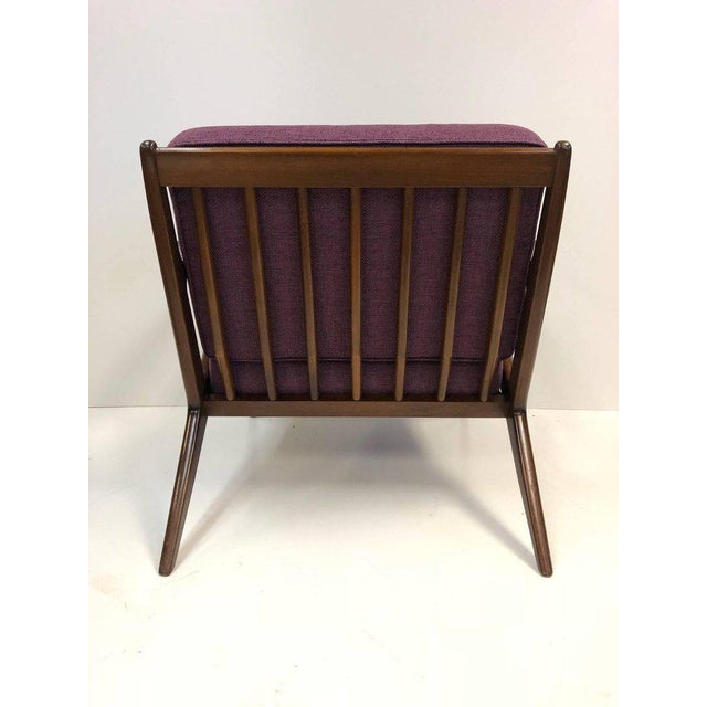 Mid-Century Modern Pair of Z Lounge Chairs by Poul Jensen for Selig For Sale - Image 3 of 7