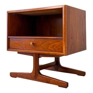 1960s Drexel Apart Mates Walnut Side Table / Nightstand For Sale