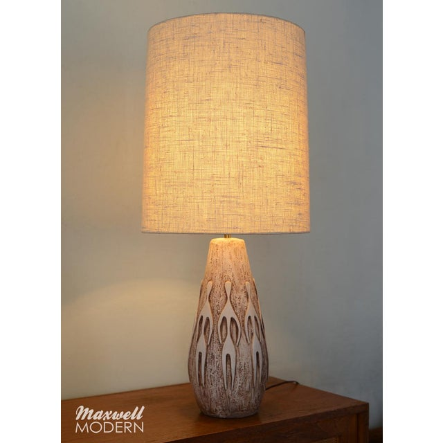 Mid-Century Modern Ceramic Lamp With Figural Relief For Sale In San Francisco - Image 6 of 6