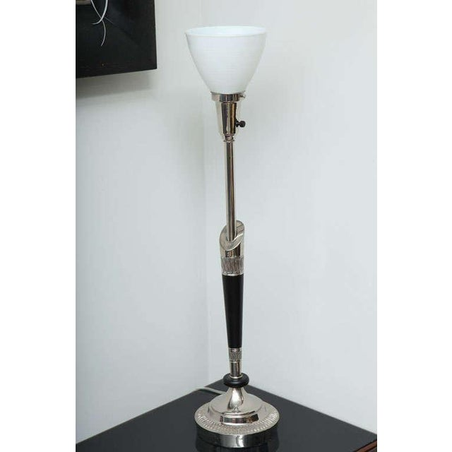 Mid-Century Modern Pair of Stiffel Nickel and Ebonized Wood Table Lamps For Sale - Image 3 of 10