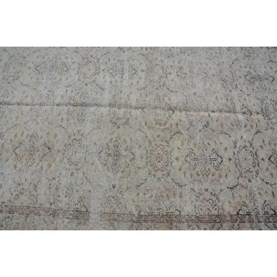 Vintage Handwoven Turkish Beige Oushak Carpet - 5′9″ × 9′2″ For Sale - Image 4 of 6