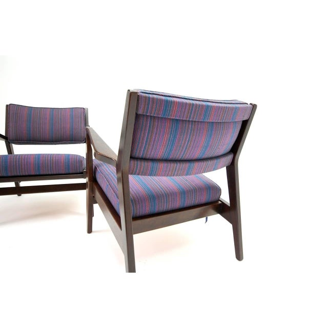 Fabric Pair of Jens Risom Lounge Chairs in Walnut For Sale - Image 7 of 8