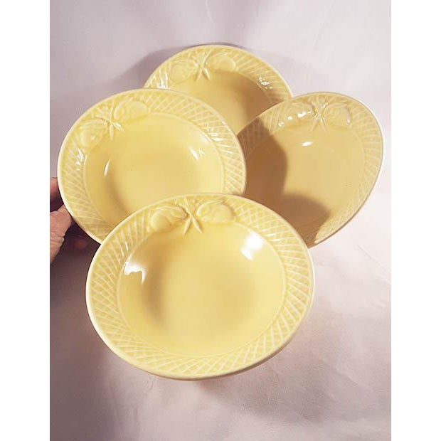 Bordallo Pendheiro yellow ceramic rabbit bowls. Set of 4. Made in the style of cottage in the 19th century.