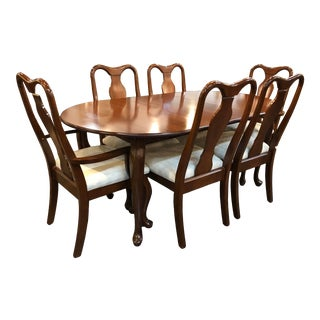 Universal Queen Anne Antique Cherry Dining Set - 8 Pieces For Sale