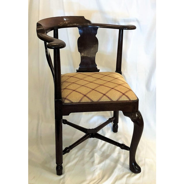 English Traditional Antique English 19th Century Mahogany Corner Chair For Sale - Image 3 of 5