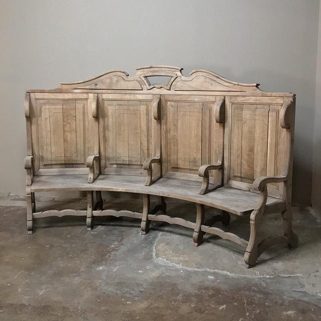 French 18th Century Rounded Foyer ~ Bay Bench For Sale - Image 3 of 10