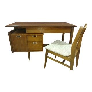 Hooker Mainline Floating Top Desk For Sale