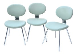 Image of Minimalist Office Chairs