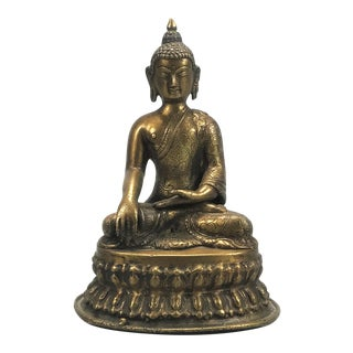 1950s Mid-Century Nepalese Bronze Figure of Seat Buddha For Sale
