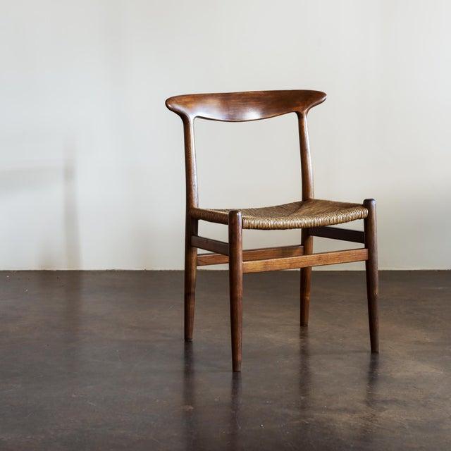 Hans Wegner Set of Four Model W2 Dining Chairs in Oak, Denmark, 1950s For Sale In Santa Fe - Image 6 of 11