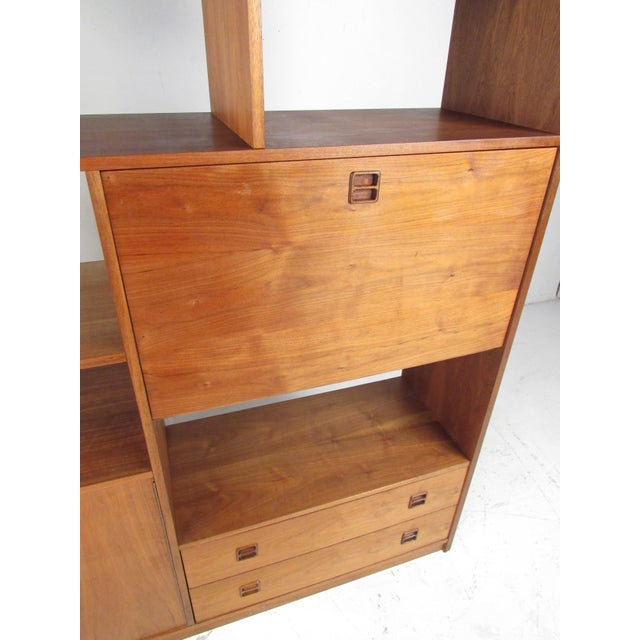1970s Mid-Century Walnut Bookcase or Wall Unit For Sale - Image 5 of 13