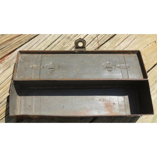 1910s Early 20th Century Antique Huntley and Palmers Biscuit Tin For Sale - Image 5 of 6