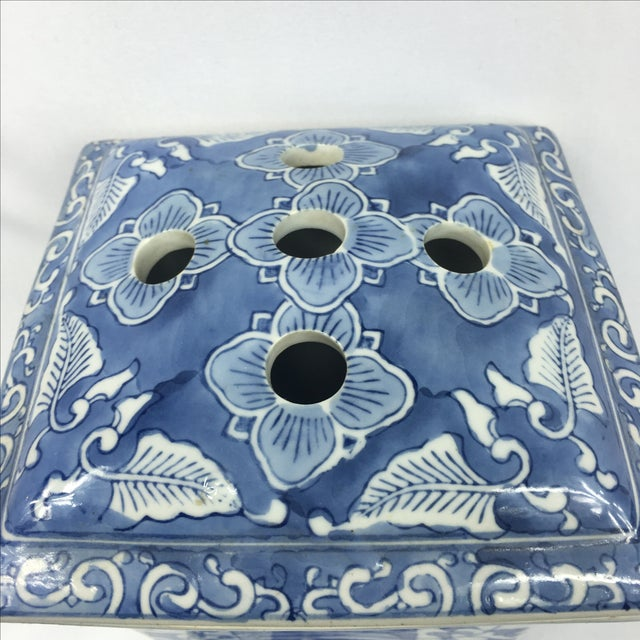 Blue & White Square Chinoiserie Floral Jar - Image 7 of 7