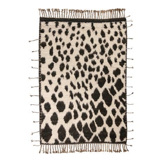 """Shaggy Leopard Spots Rug, 4'5"""" X 6'4"""" For Sale"""