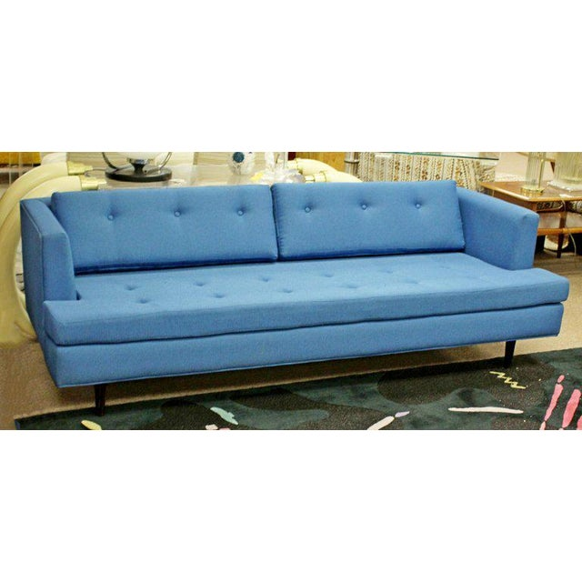 Dunbar Furniture 1960s Mid-Century Modern Tufted Blue Sofa For Sale - Image 4 of 8