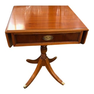 Henredon Traditional Lacquer Yew Wood Side Table With Drawer For Sale