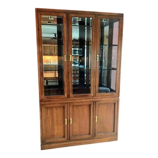 Ethan Allen Cherry Canova Collection Campaign Style Lighted China 3-Tier Glass Shelved Display Cabinet For Sale