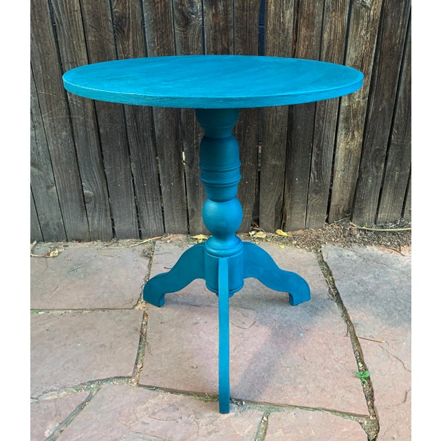 "Teal green round pedestal table. This table has been painted teal with CeCe Chalk paint and lightly waxed. Dimensions 24""..."