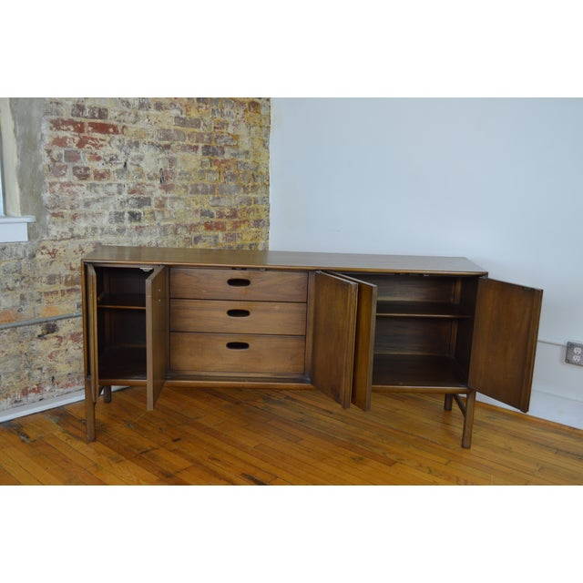 1960s Ray Sabota for Mt. Airy Furniture Mid Century Modern Sideboard For Sale - Image 5 of 7
