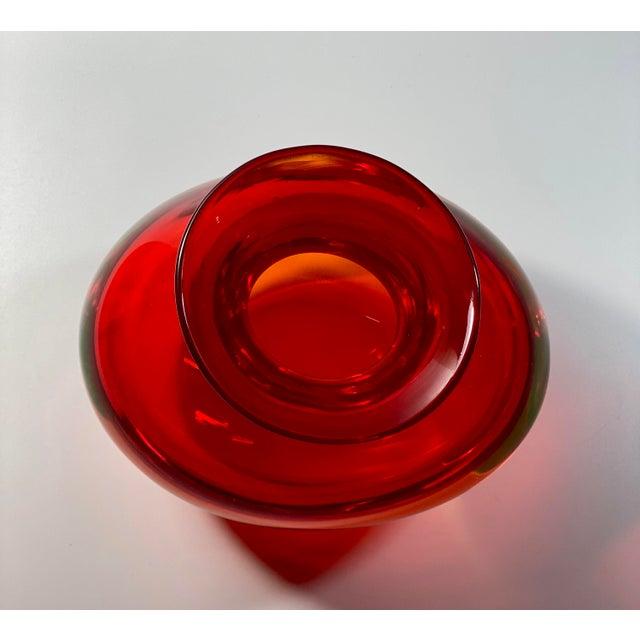 "1960s 1963 Antonio Da Ros Cenedese ""Coppa Con Labbro"" Sommerso Red Uranium Glass Vase For Sale - Image 5 of 8"