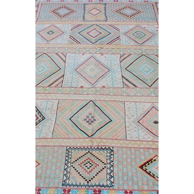 Keivan Woven Arts, S12-0303, Vintage Mid-Century Embroidered Moroccan Rug - 5′ × 9′ For Sale In Atlanta - Image 6 of 10