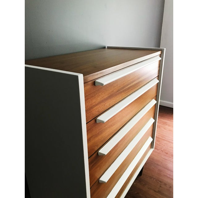 1970s Mid Century Modern Walnut Dresser For Sale In New York - Image 6 of 10