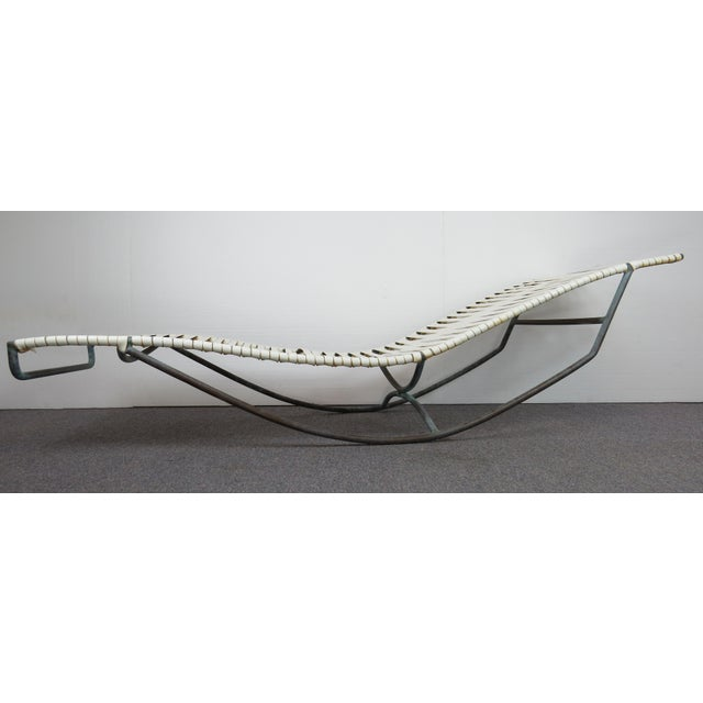 Architectural beauty! Designed by Walter Lamb and manufactured by Brown-Jordan in the 1950s. This lounger features Walter...