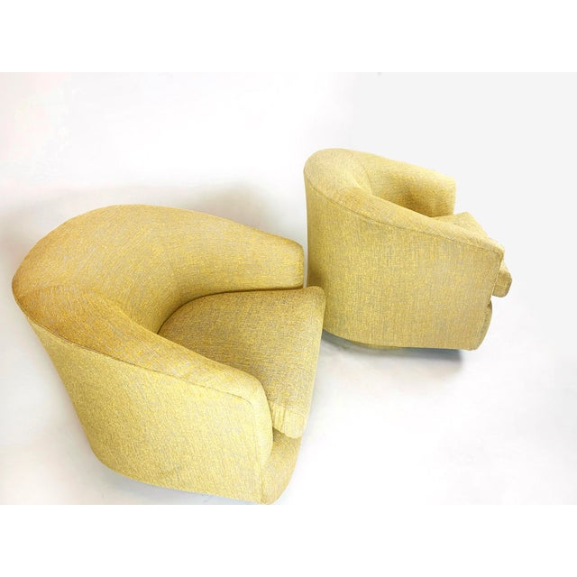 1980s 1980s Newly Reupholstered Champagne Gold Swivel Lounge Chairs For Sale - Image 5 of 9