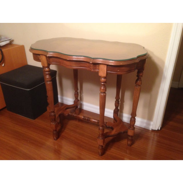Vintage Traditional Wooden End Table - Image 2 of 4